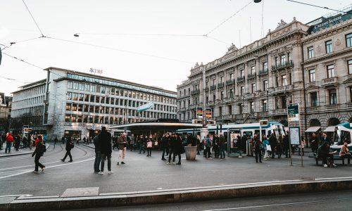 Eine Top Führungskraft der Credit Suisse hat wegen eines Spionageskandals gekündigt