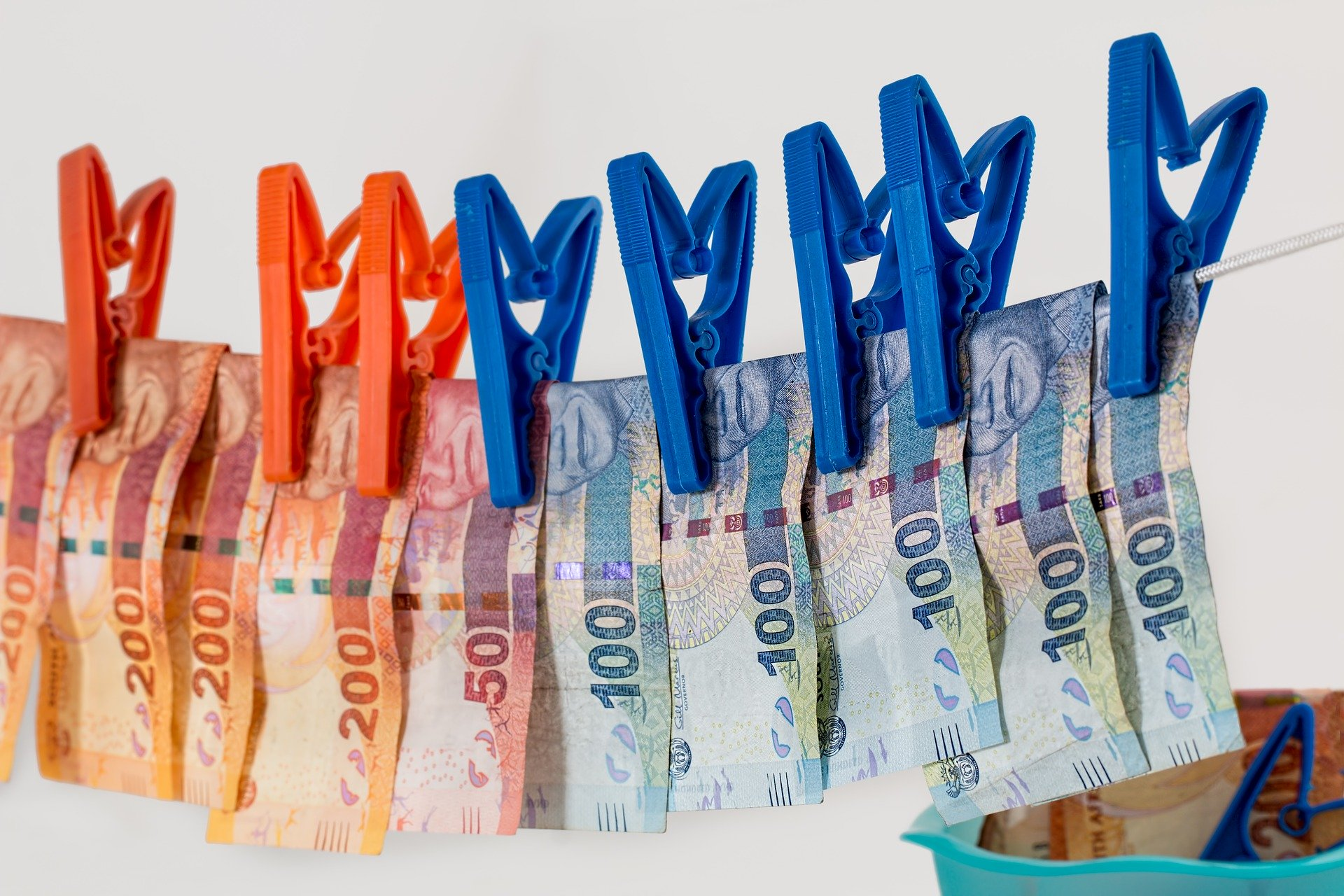 Experte für Korruption wegen Geldwäsche angeklagt