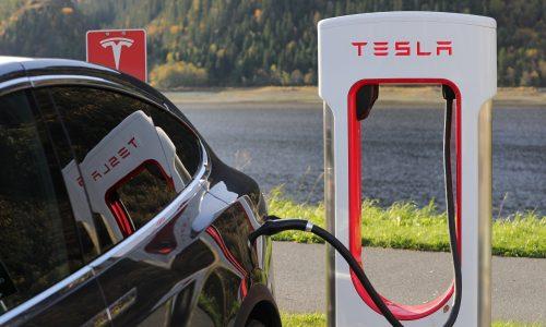 Börse: Tesla überholt dank Elektro-Hype Volkswagen