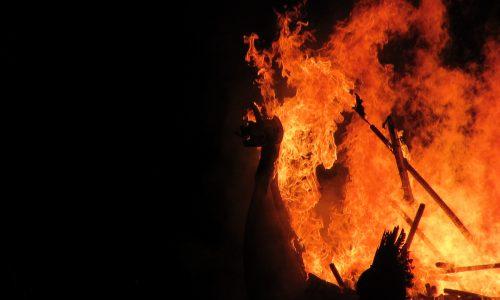 Waldbrände in Australien: 24 Personen beschuldigt absichtlich Feuer gelegt zu haben