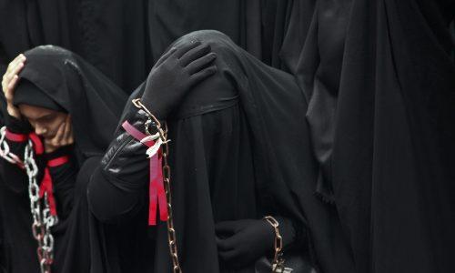 120.000 Dollar: Abfindung für Frau, die Kopftuch abnehmen musste