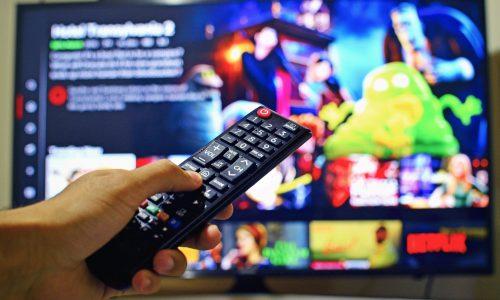 Männer betrieben illegale Streaming-Seiten mit Größe von Netflix