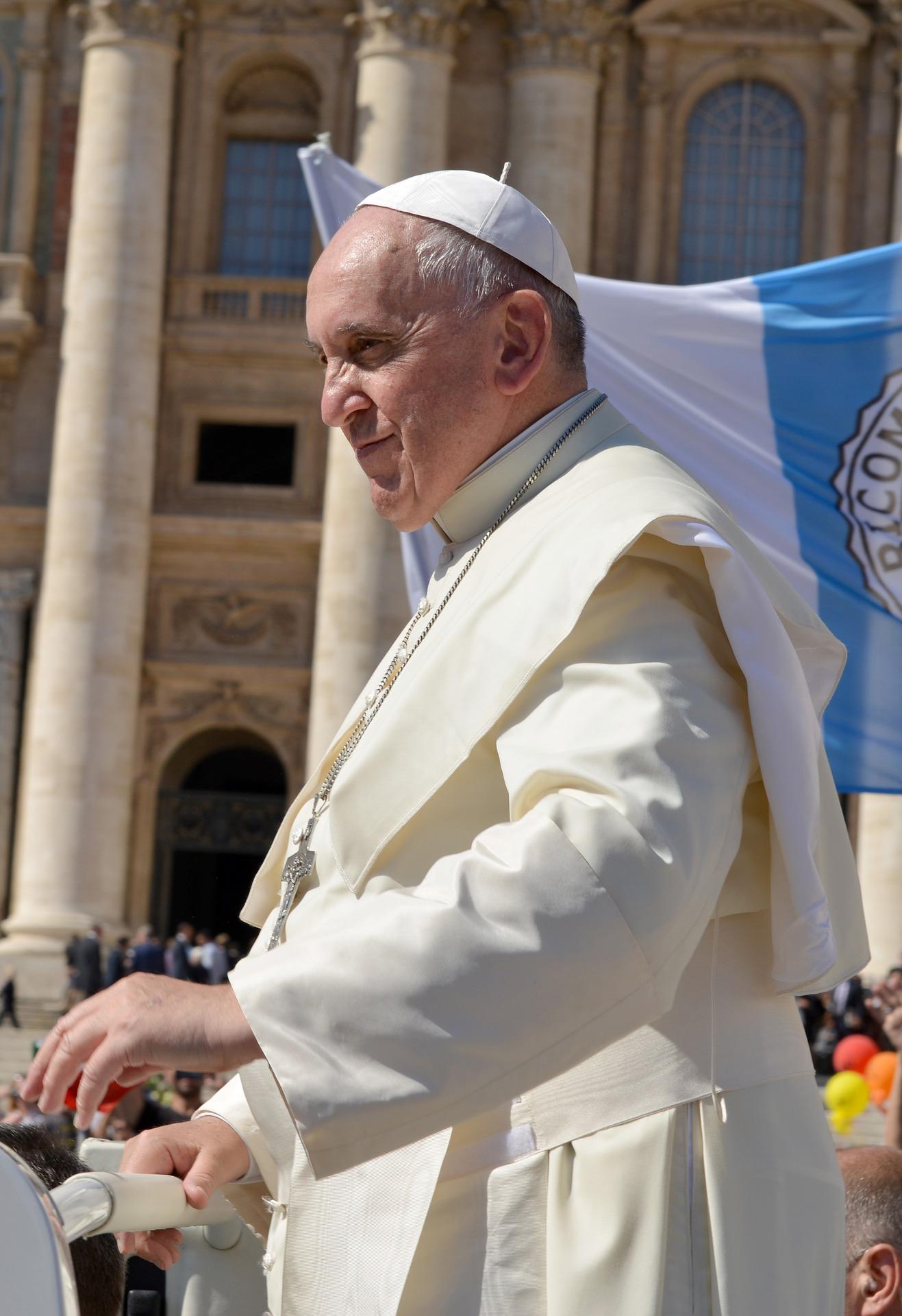 Papst hebt Geheimhaltungsregeln für sexuellen Missbrauch auf