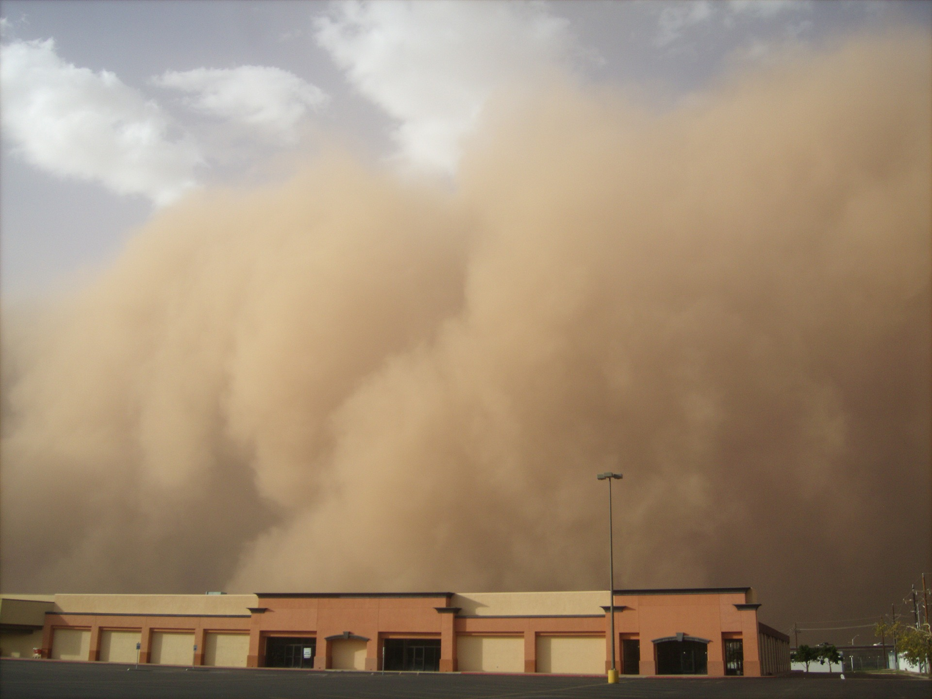 Im Video: Riesige Sandstürme in Australien
