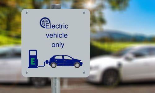 Bill Gates bemängelt Elektroauto-Boom