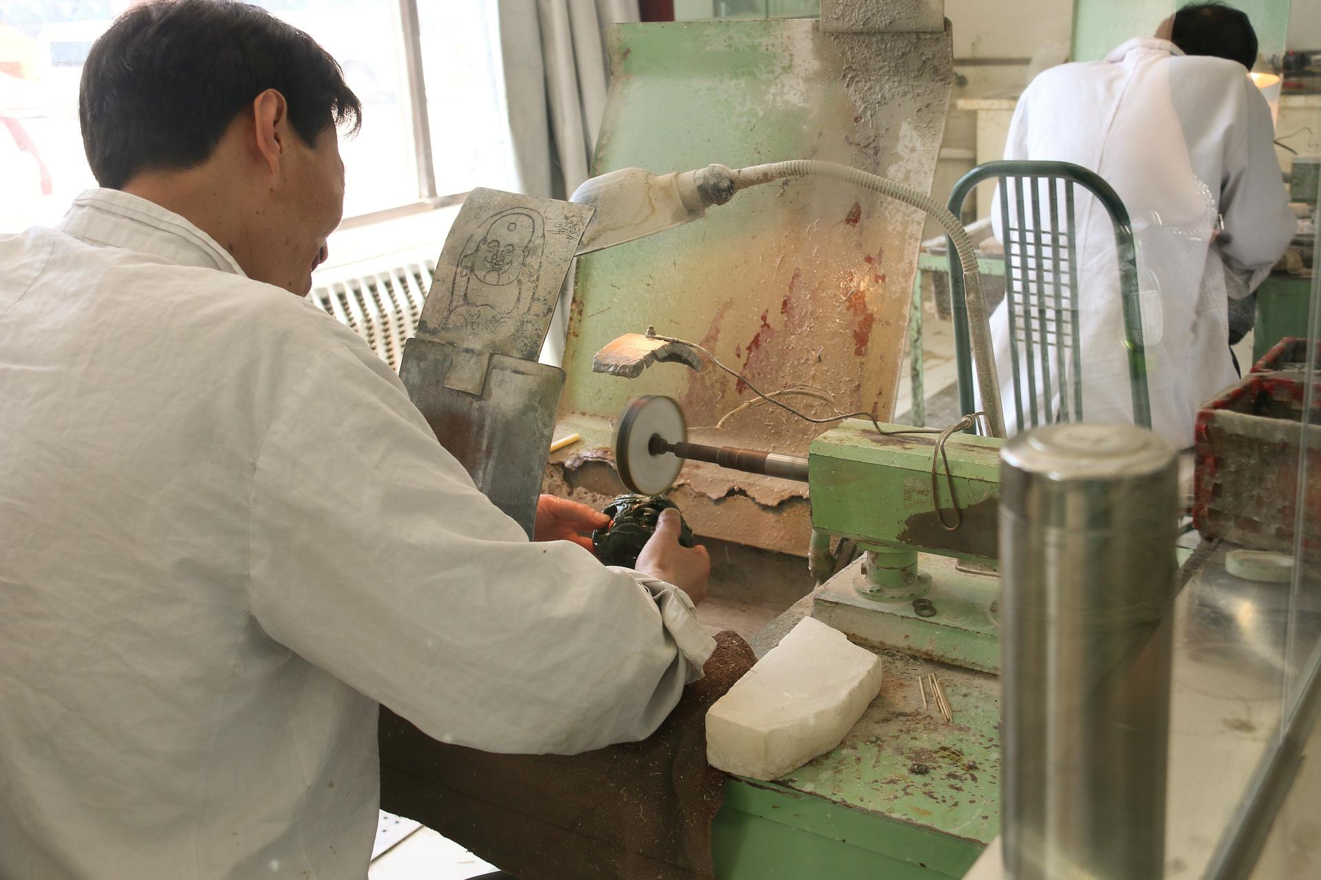 China: Produktion läuft nach Corona-Pause wieder an – Aufträge bleiben aus