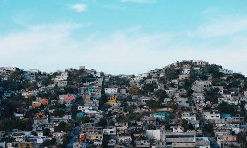 Mexikanischer Gouverneur behauptet, arme Menschen seien immun gegen Coronavirus