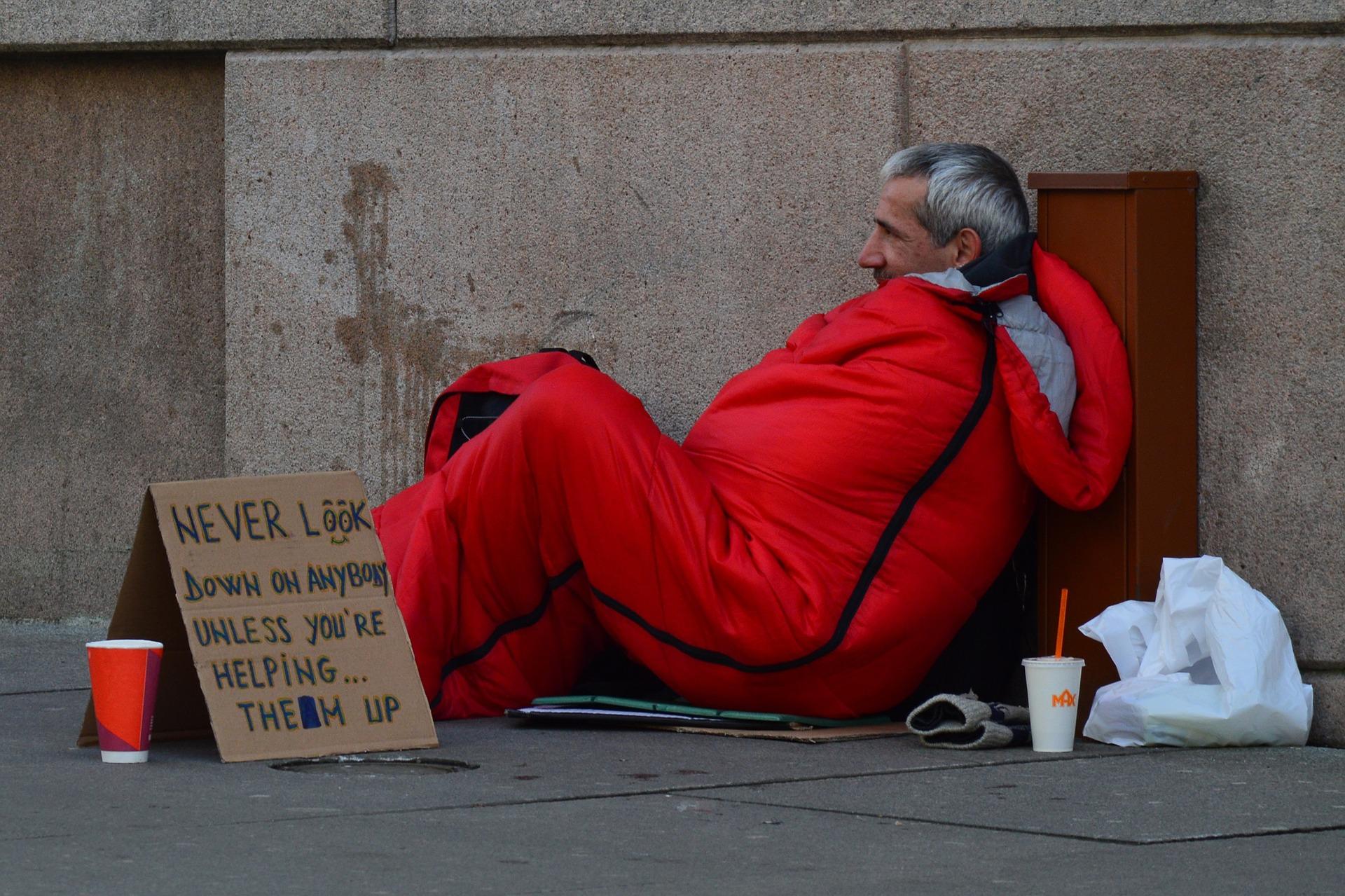 """Gabenzäune"": So helfen Berliner den Obdachlosen in Corona-Krise"
