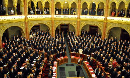 Wegen Corona-Ausbruch: Ungarns Parlament entmachtet