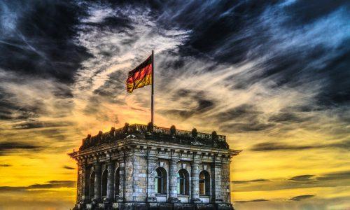 """Deutsches Kanzleramt: """"Es ist nie Anlass zur Sorglosigkeit!"""""""