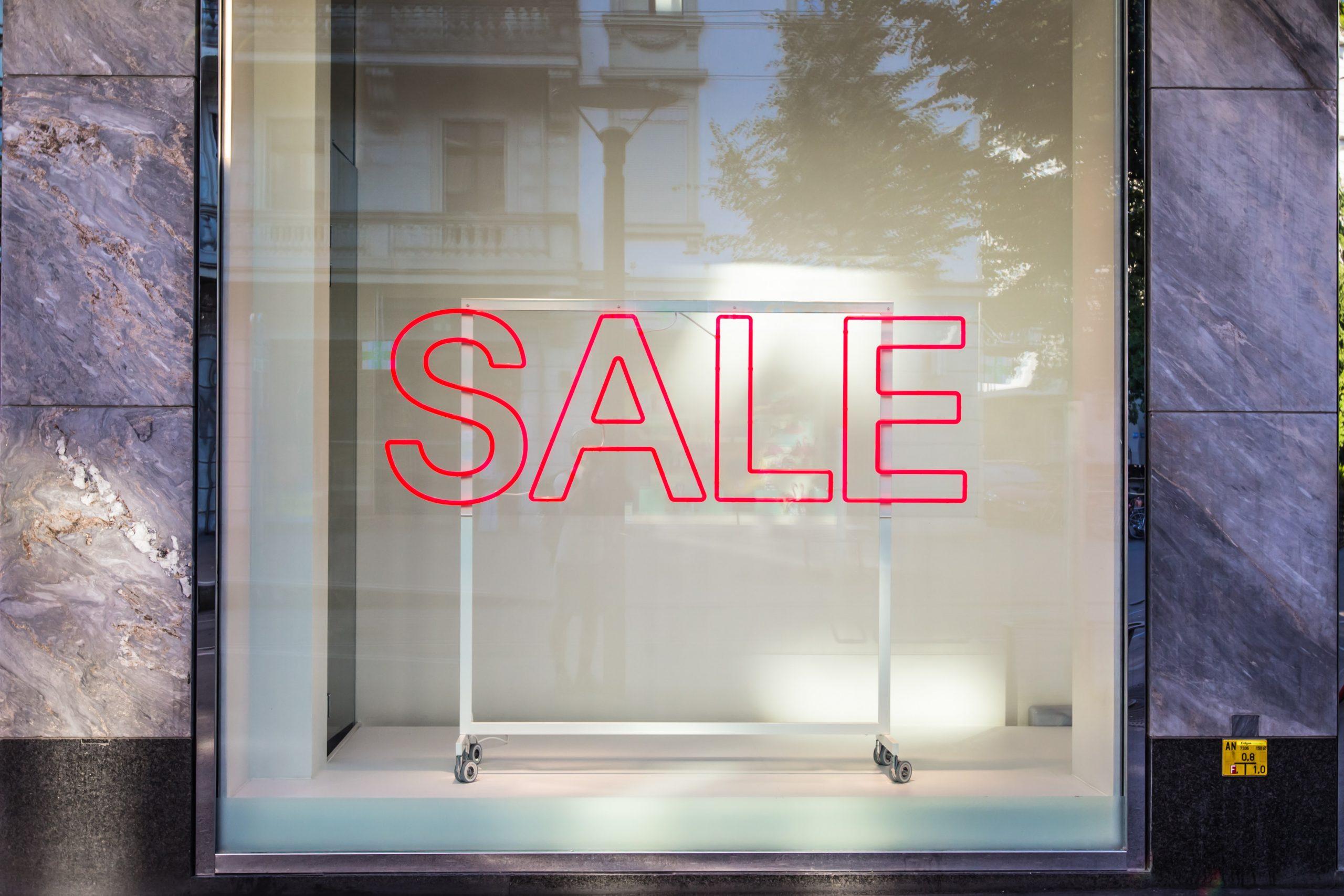 Corona-Krise: H&M rutscht in die roten Zahlen