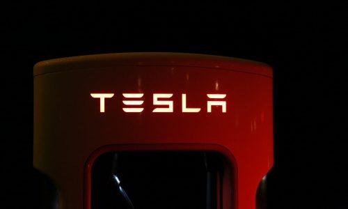 """Tesla-Chef: Corona-Beschränkungen sind """"faschistisch"""""""