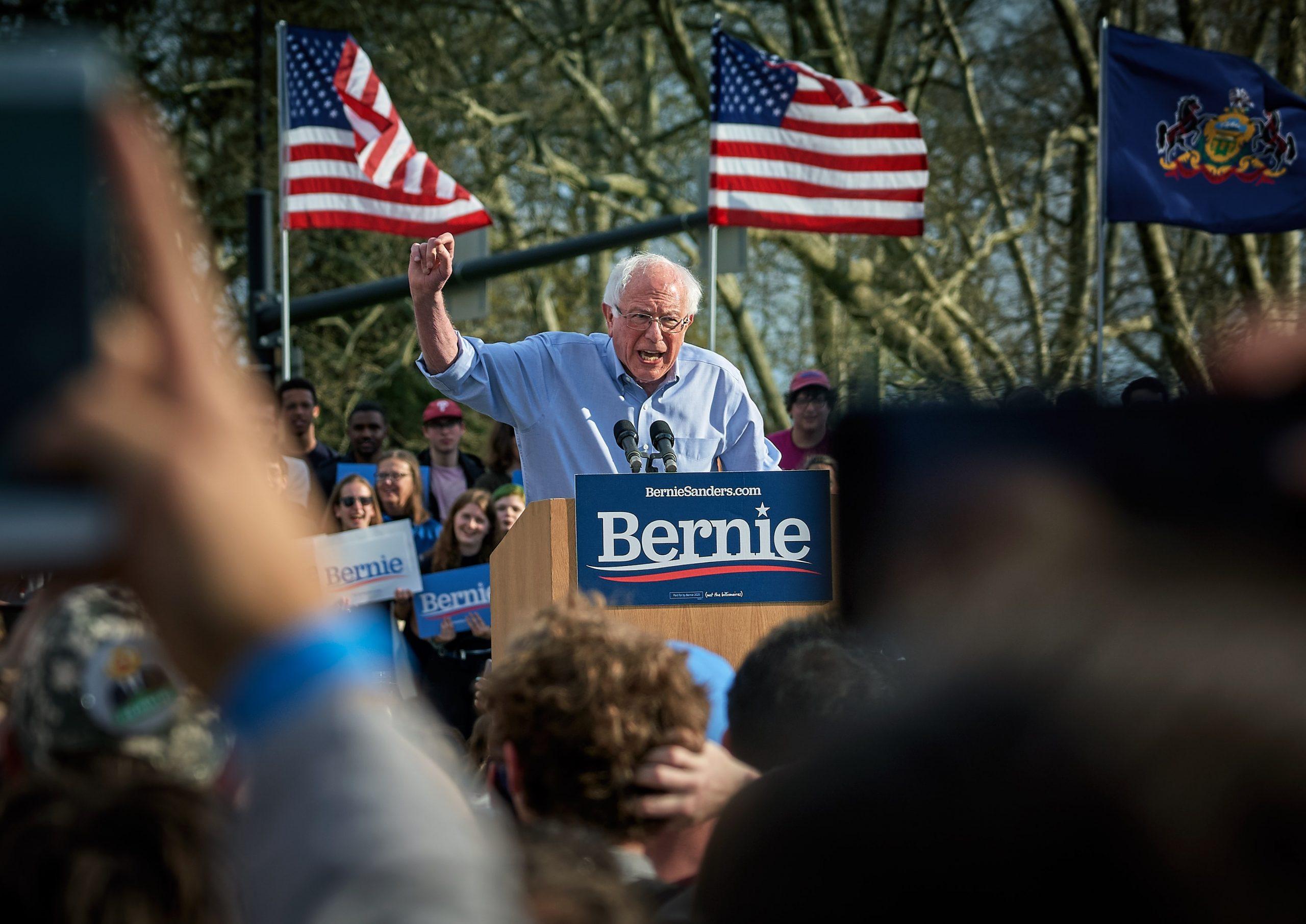 Wegen Coronavirus: Bernie Sanders will Vorwahlkampf verschieben lassen