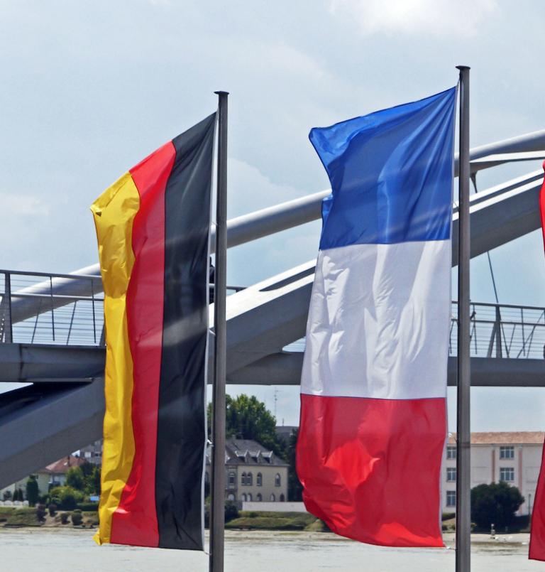 Merkel und Macron vereinbaren deutsch-französischen Schulterschluss