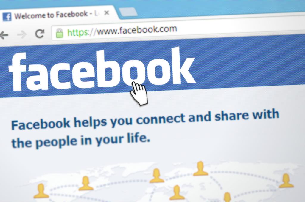 Nach Kritik: Facebook-Chef verteidigt Umgang mit Donald Trump